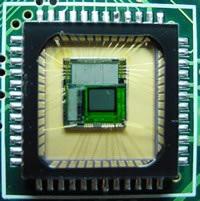 Um chip CMOS